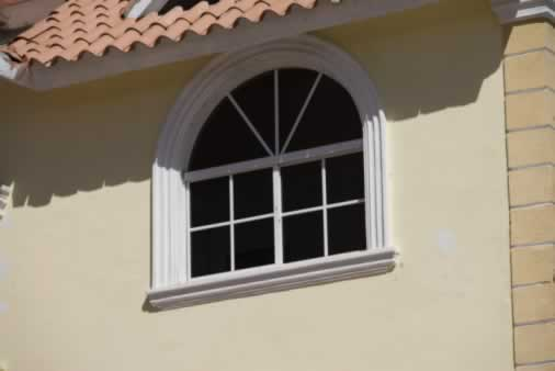 Window Thinks Small in a Big Way