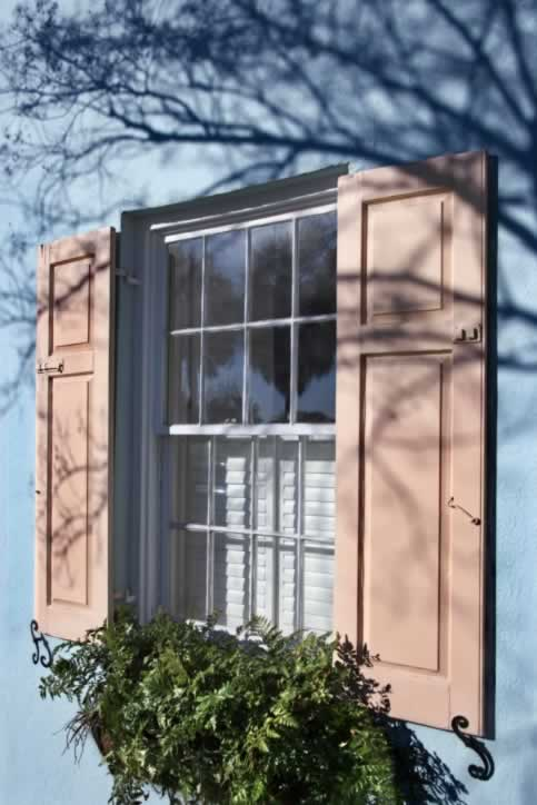 Flexible Window Shutters Maximize Sunshine and Privacy