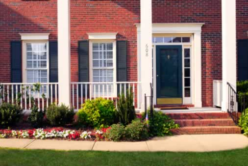 Easy to Clean Multi-Paned Windows in Federal Style Homes