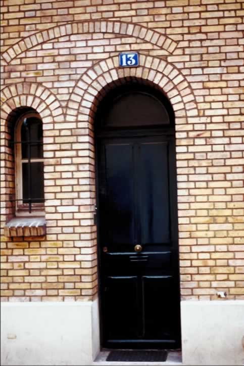 /doors/types/glass/single-black-exterior-door-antique-door-bell.php