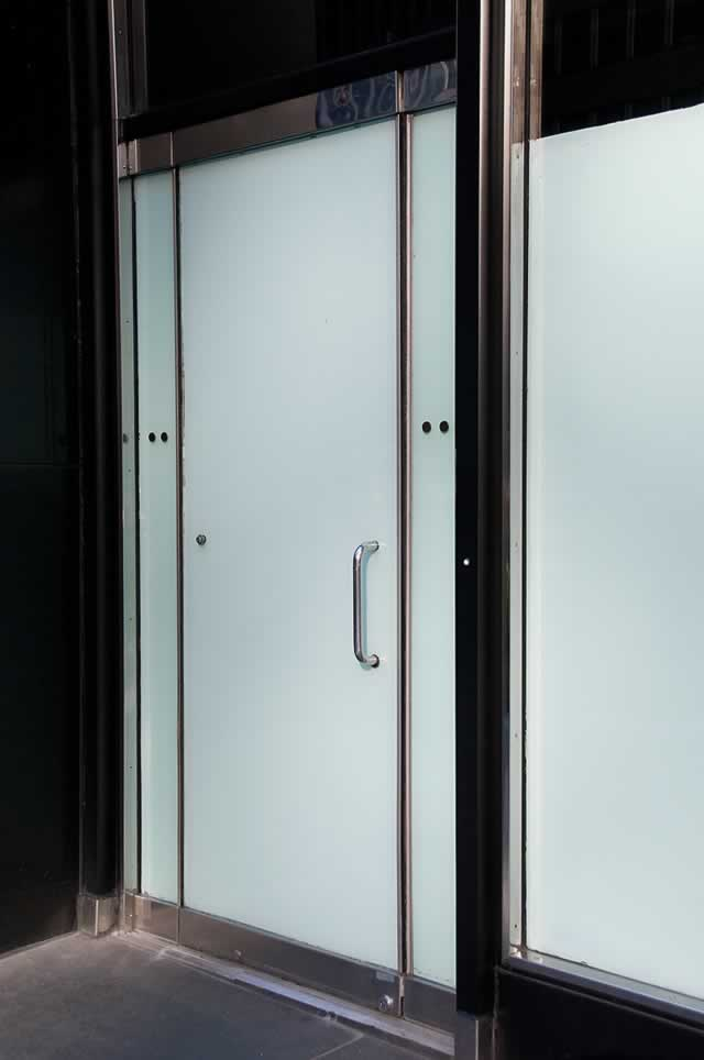 Door types designs and materials for your home for Types of doors