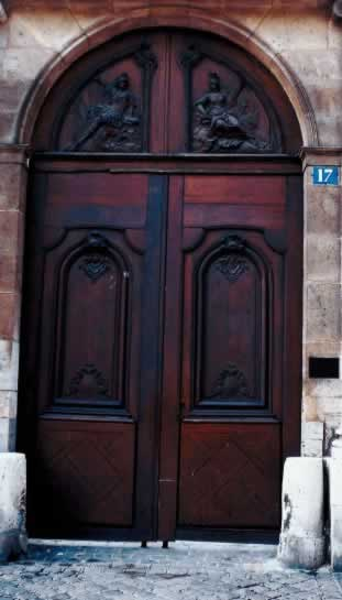 Mahogany Doors Are a Rich American Tradition