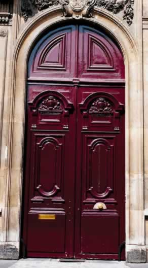 Elegant Mahogany Doors With a Sense of the Past