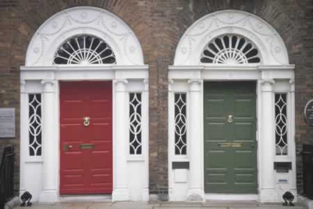 /doors/types/panel/rowhouse-panel-doors-distiction.php